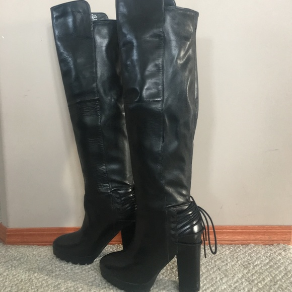 Beautiful Genuine Leather Steve Madden Boots